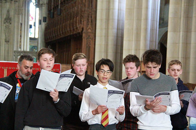 Downside Catholic School Singers - Tenebrae Work